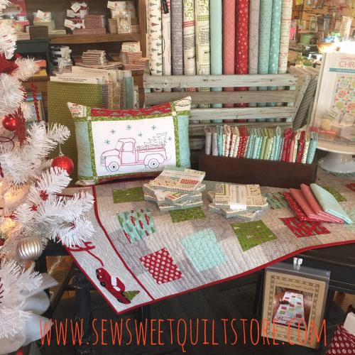 Missouri quilt shop. christmas quilt display. quilt shop.